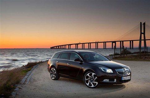 Opel Insignia 2.0 BiTurbo CDTI: Υπερδύναμη