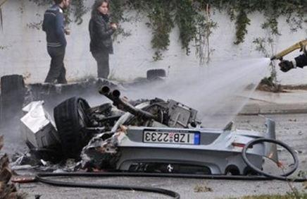 Daily Mail: Κυκλοφορούν ακόμη Φεράρι στην Ελλάδα; [εικόνες]