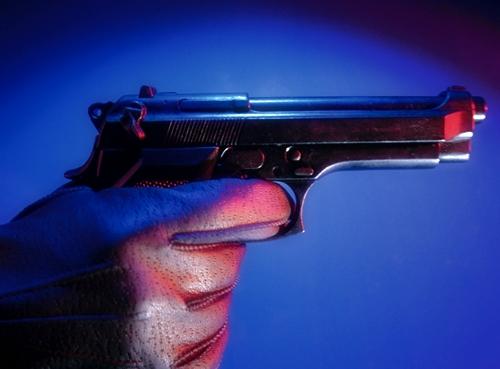 Πυροβόλησε και τραυμάτισε σοβαρά 24χρονο έξω από κέντρο διασκέδασης