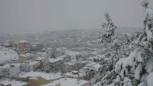 Νέο κύμα ψύχους σαρώνει τη χώρα - Θυελλώδεις άνεμοι και ισχυρές χιονοπτώσεις