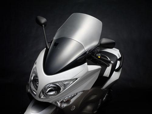 Διαθέσιμο το Yamaha TMAX με τον κινητήρα των 530 κ.εκ.