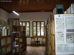 Διαδρομές με πυξίδα τη Βιβλιοθήκη