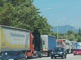 Από ακτίνες Χ όλα τα φορτηγά και κοντέινερς σε Πειραιά και Θεσσαλονίκη