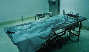Σοκ:Υπάλληλος γραφείου τελετών ασέλγησε σε πτώμα