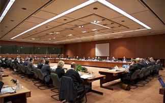 Το Εurogroup εγκρίνει την άμεση εκταμίευση 5 δισ. ευρώ