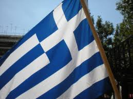 Του απαγόρευσαν την είσοδο στην Βουλή, επειδή κρατούσε ελληνική σημαία!