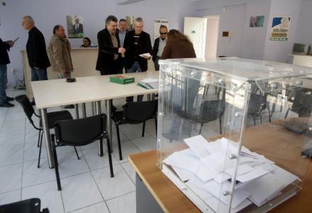 Παρατείνεται κατα μία ώρα η ψηφοφορία στο ΠΑΣΟΚ