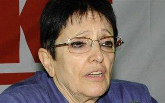 Ολομέτωπη επίθεση από την Αλέκα Παπαρήγα