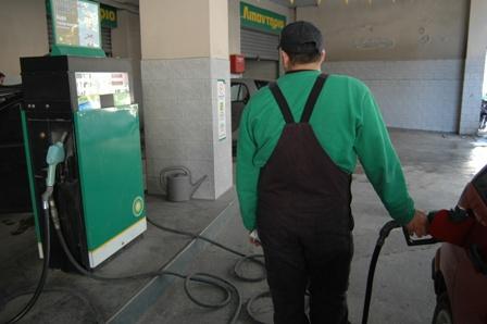 Βενζίνη… φωτιά και λαύρα