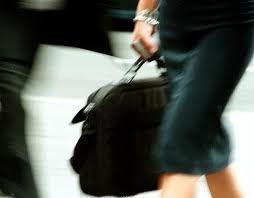 Τρίκαλα:Άρπαζαν τις τσάντες ανυποψίαστων γυναικών