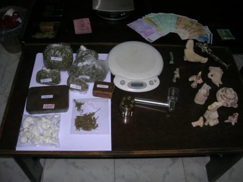 Κάλυμνος: Αποθήκη γεμάτη με αρχαία και ναρκωτικά!