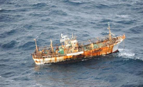 Πλοίο – «φάντασμα» στις ακτές του Καναδά