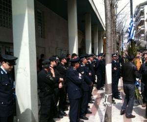 Ένταση στο δημαρχείο Αγρινίου μετά την παρέλαση (video)