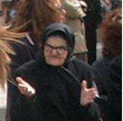 Η γιαγιά που έκλεψε την παράσταση στην παρέλαση!
