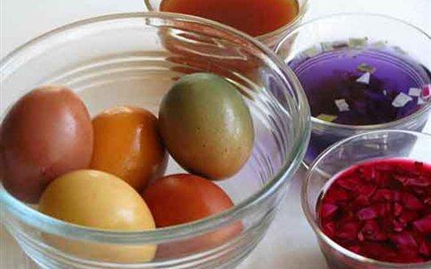 Πασχαλινά Αβγά με φυτικές χρωστικές βαφές