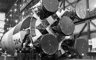 Ο ιδρυτής της Amazon ανακοίνωσε ότι ανακάλυψε τους κινητήρες του Apollo 11