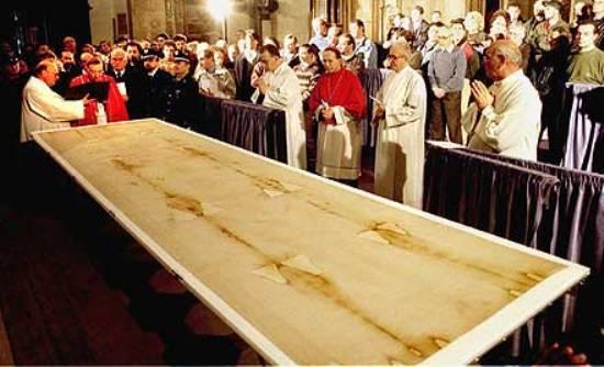 Νέο πέπλο μυστηρίου καλύπτει την Ιερά Σινδόνη