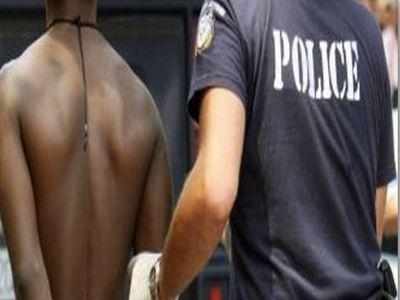 Αλλοδαπός δάγκωσε αστυνομικό και του έκοψε το δάκτυλο