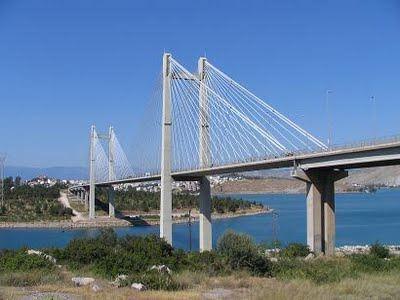Θανατηφόρα πτώση από την γέφυρα του Ευρίπου