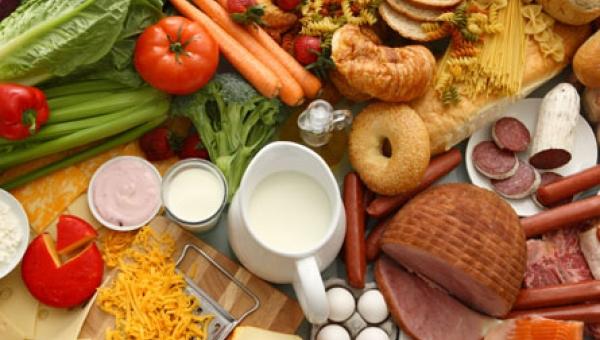 Χαλασμένα τρόφιμα ...από το αυτί και στον ΕΦΕΤ!
