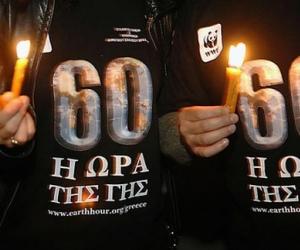 Ο δήμος Αγρινίου όχι μόνο δεν σβήνει αλλά αφήνει τα φώτα αναμμένα και την ημέρα!!!