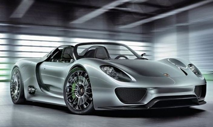 Porsche 918 Spyder. Η εξέλιξη συναντά το συναίσθημα