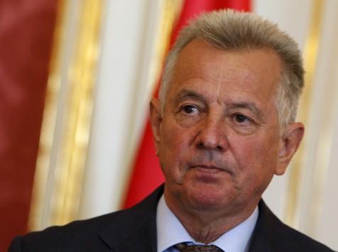 Ουγγαρία: Παραιτήθηκε ο πρύτανης που αφαίρεσε το διδακτορικό του προέδρου Σμιτ