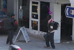 Γέμισαν το Μεταξουργείο ΝΑΡΚΩΤΙΚΑ οι αφρικανοί...Χαμπάρι δεν έχει πάρει η αστυνομία.