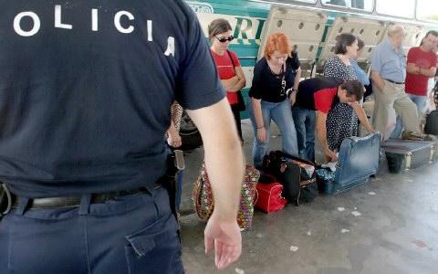 Με ταυτότητα θα περνούν τα σύνορα Αλβανίας - ΠΓΔΜ