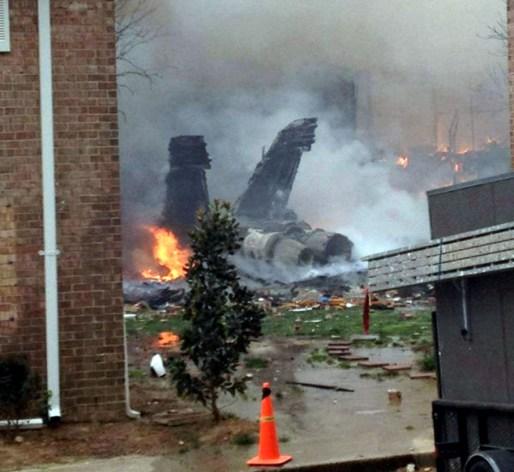 ΗΠΑ: Συντριβή ενός F-18 σε συγκρότημα κατοικιών