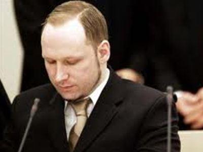 Στο δικαστήριο εκ νέου ο Μπρέιβικ