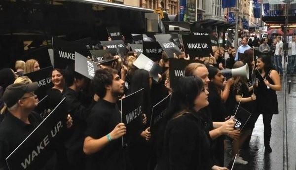 """Η Samsung αρνείται ότι βρίσκεται πίσω από την διαδήλωση """"Wake Up"""""""