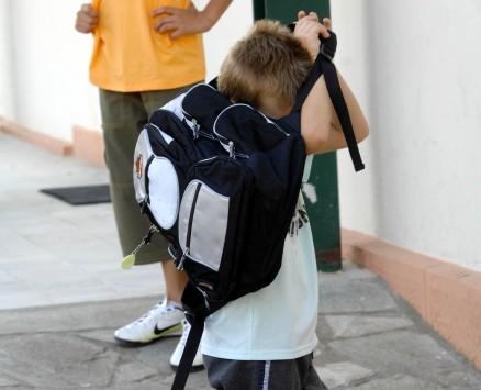 Κορινθία: Αποβλήθηκε αριστούχος μαθητής, γι'αυτά που έκρυβε η τσάντα του!