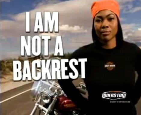 Η Harley-Davidson κλείνει το μάτι σε γυναίκες