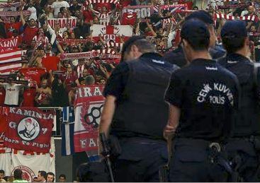 Συμπλοκή μεταξύ οπαδών του Παναθηναϊκού και του Ολυμπιακού στην Κωνσταντινούπολη