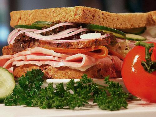 Δυόμισι αιώνες από την εφεύρεση του σάντουιτς γιορτάζει η Αγγλία