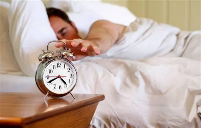 Παχαίνουν… ξυπνητήρι και έλλειψη ύπνου