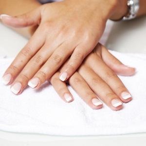 Τα νύχια αποκαλύπτουν αν κινδυνεύουμε από καρκίνο