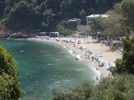 Ανάπλαση της παραλίας στο Καμάρι  Κεραμιδίου