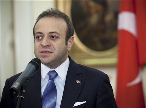 Ελπίζω η Ελλάδα να ασχοληθεί με τα οικονομικά της και όχι με την ΠΓΔΜ και τα νησιά, είπε ο Μπαγίς