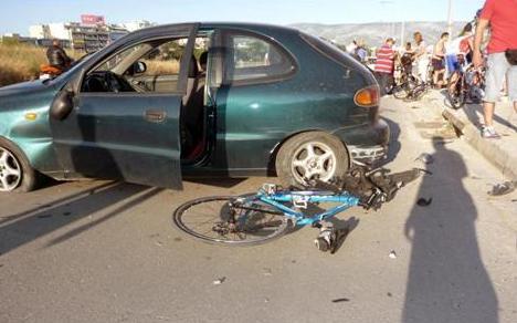 Αυτοκίνητο παρέσυρε και τραυμάτισε ποδηλάτες στο παράδρομο του ΣΕΦ