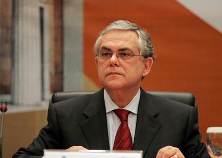 Αναταραχή προκάλεσαν οι δηλώσεις Παπαδήμου για τον κίνδυνο εξόδου της χώρας από το ευρώ