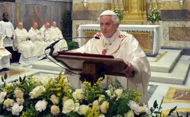 Υπόθεση «Vatileaks»: Πλεκτάνες στο Βατικανό
