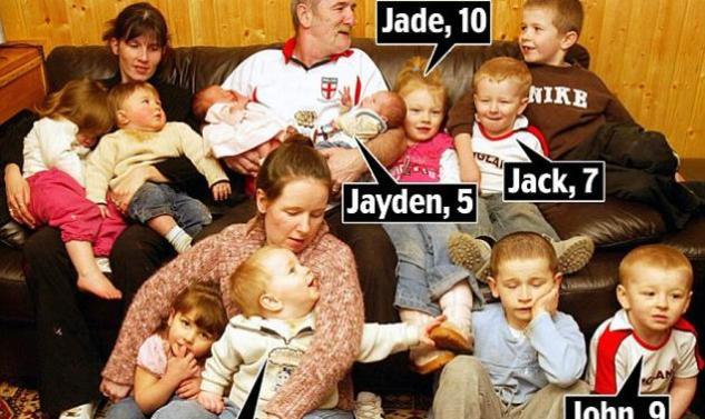 Ύποπτοι για ανθρωποκτονία οι γονείς που έχασαν τα 6 από τα 17 παιδιά τους σε φωτιά!