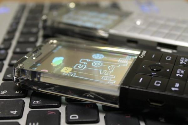 Explay Crystal: το κινητό με τη διαφανή οθόνη