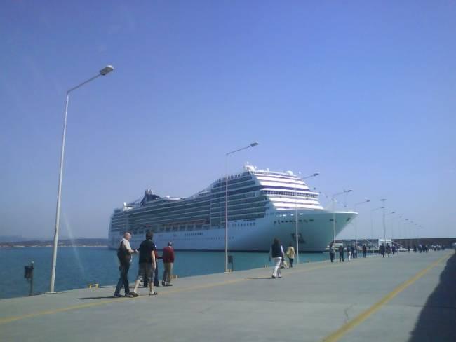 Ο Τουρίστας ξέμεινε στο λιμάνι και το κρουαζιερόπλοιο έφευγε...
