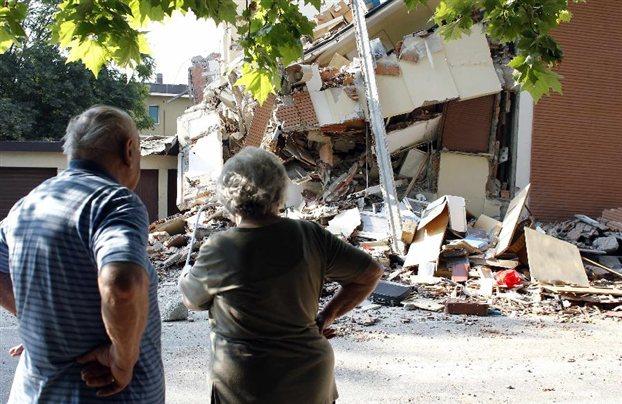 Ιταλία: Πάνω από ένα δισ. ευρώ το οικονομικό κόστος από τον σεισμό