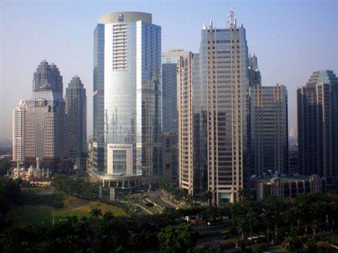 Σεισμός 5,9 βαθμών ταρακούνησε τους ουρανοξύστες της Τζακάρτα