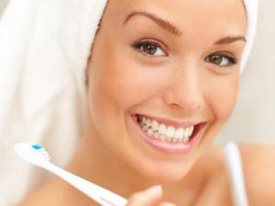 Διατηρήστε τα δόντια σας χωρίς λεκέδες