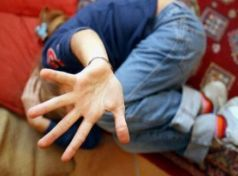 Τρίκαλα: Στο εδώλιο 22χρονος  για βιασμό 11χρονου ΑμΕΑ